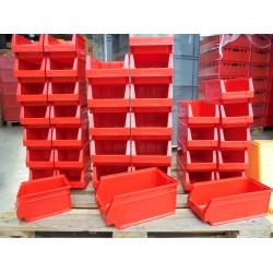 37 Nieuwe rode Magazijnbakken